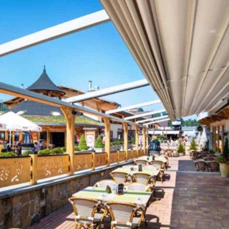 Pergola à toit rétractable pour les restaurants, hôtels et autres
