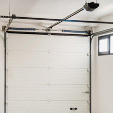 Foncez acheter votre porte de garage sectionnelle pas cher